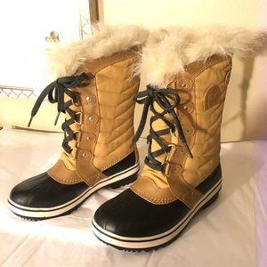 SOREL Tofino ll Faux Fur Cuff Snow Boots